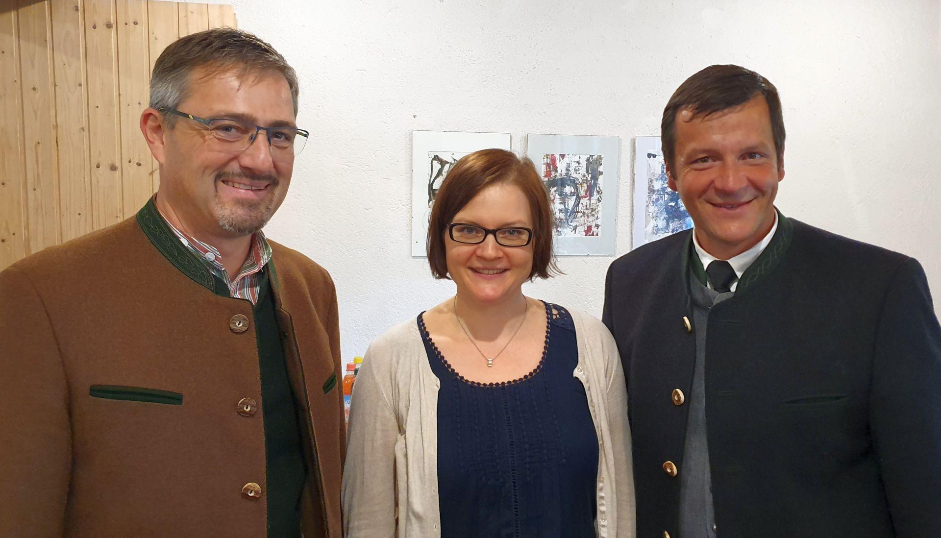 Anna Ammon mit Bürgermeistern