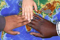 Logo Flüchtlingen helfen