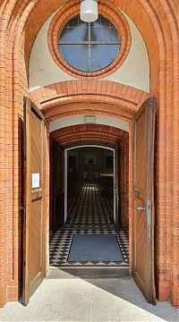 offene Türen an der Erlöserkirche