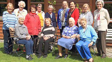Gruppe der Frauen am Vormittag