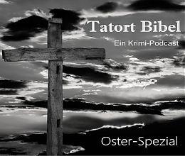 Holzkreuz vor kontrastreichem Himmel. Schwarz-Weiß