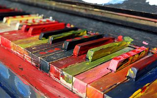 bunte Klaviertasten
