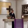 Pfarrer Dr. Bernd Rother beim Gebet